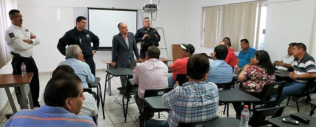 RICARDO OLIVO SE REÚNE CON DIRIGENTES Y CHÓFERES DE TRANSPORTE PÚBLICO PARA COORDINAR ACCIONES