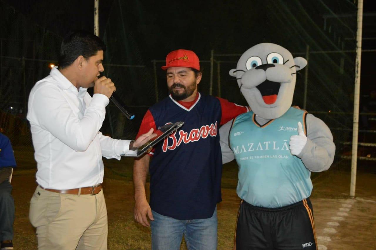 Se inaugura la Liga de Béisbol Primera Fuerza Municipal Nocturna Imdem