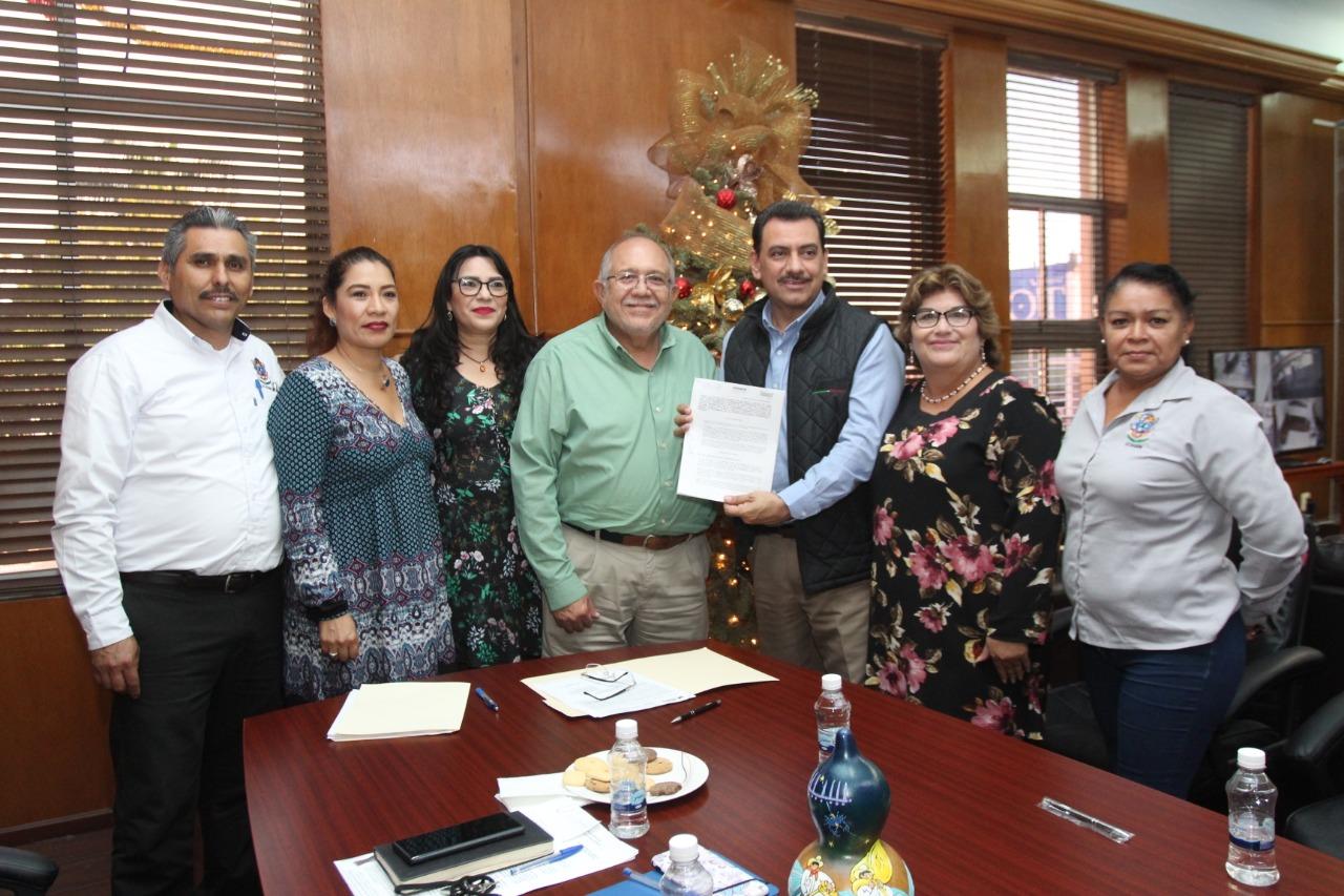 Firma Ayuntamiento de Mazatlán convenio con Infonacot