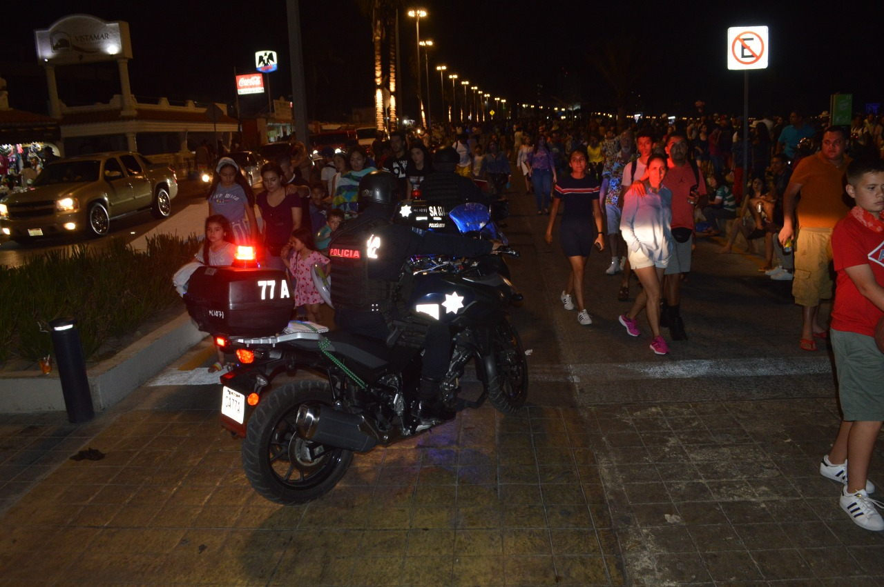 Avenida Playa Gaviotas desfoga vehículos de la zona dorada