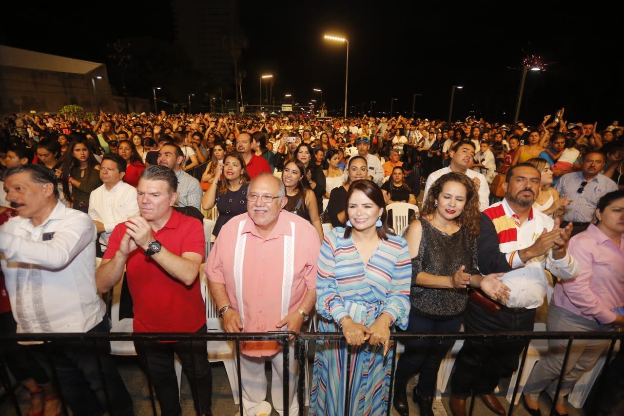 Gran cierre del Mazatlán Fest en la Avenida Bahía
