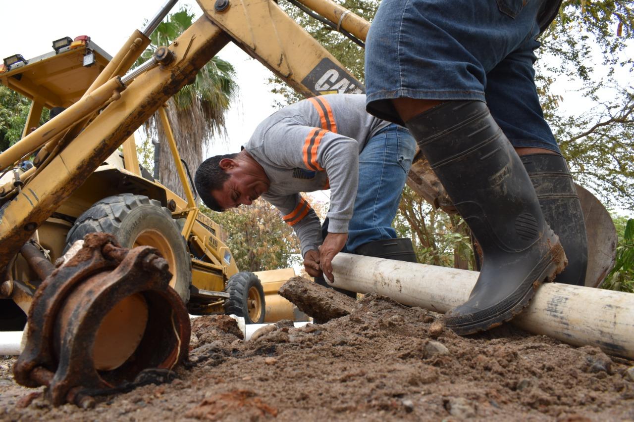 Repara Jumapam fuga de agua potable en Jacarandas