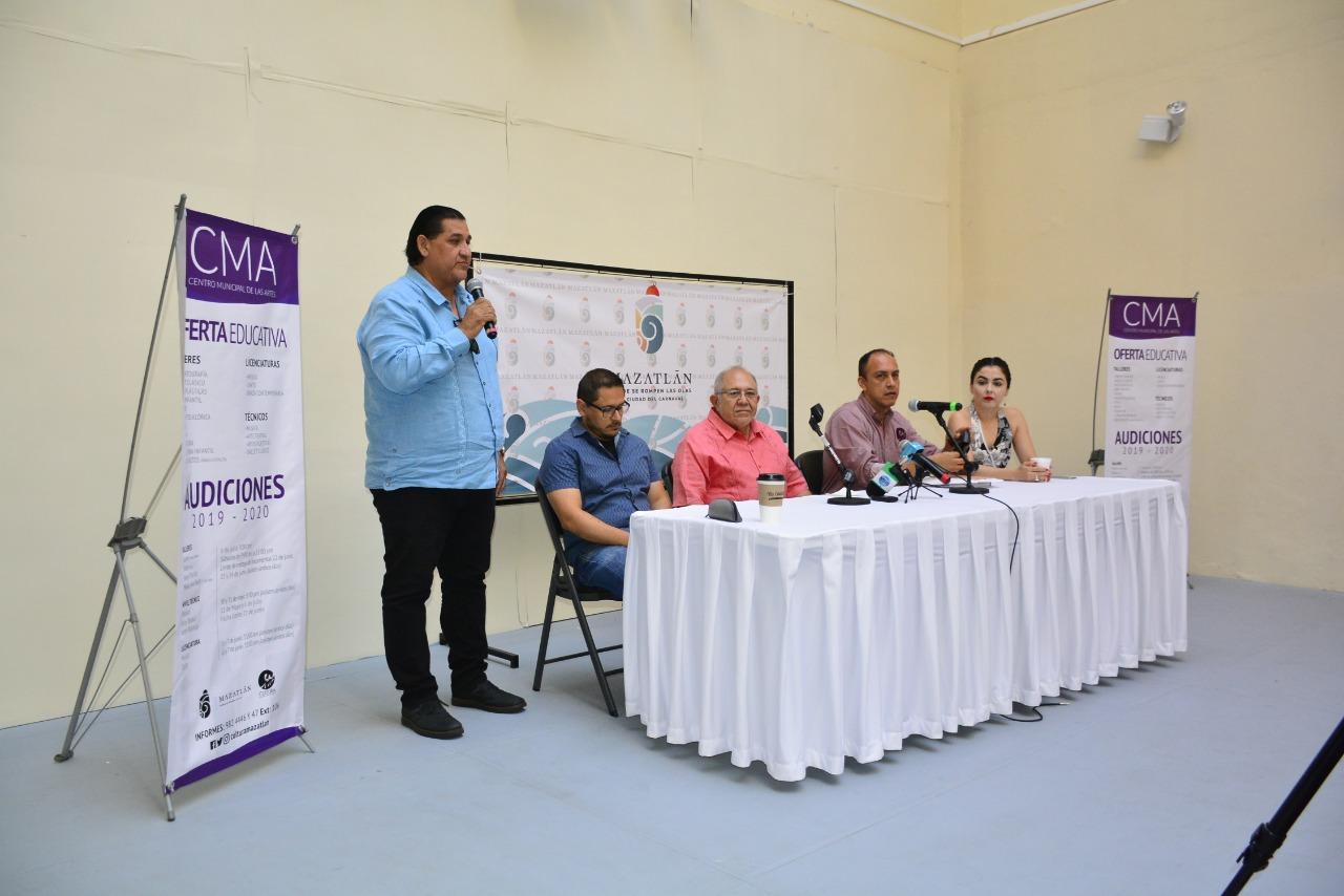 Patrón de Rueda dirigirá, temporalmente, la Camerata Mazatlán