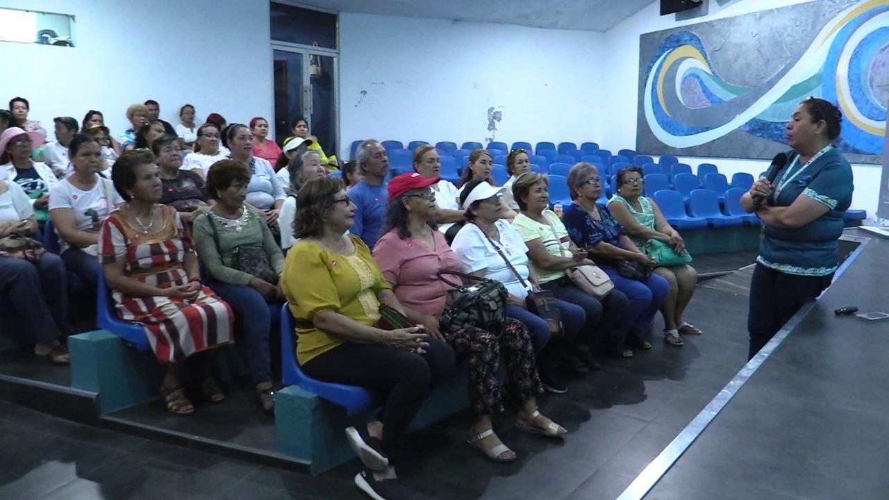 Acercan a Acuario Mazatlán a pequeños del Quelite totalmente gratis