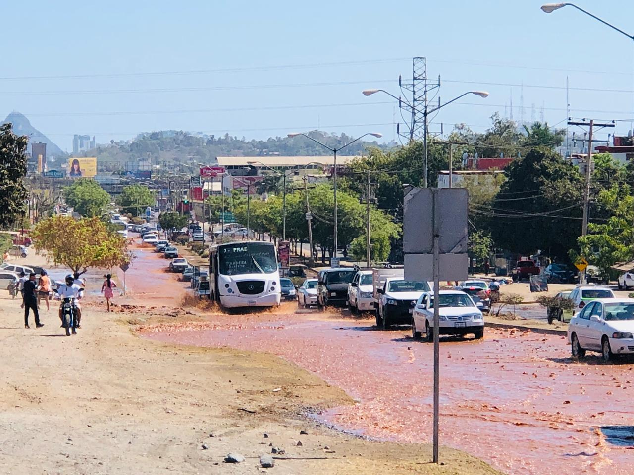 Ruptura en codo de llegada del Tanque 5000 provoca suspensión del servicio de agua potable en la zona norte de la ciudad