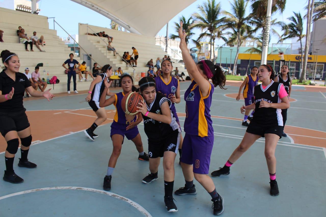 Une Imdem y básquetbol a equipos sinaloenses