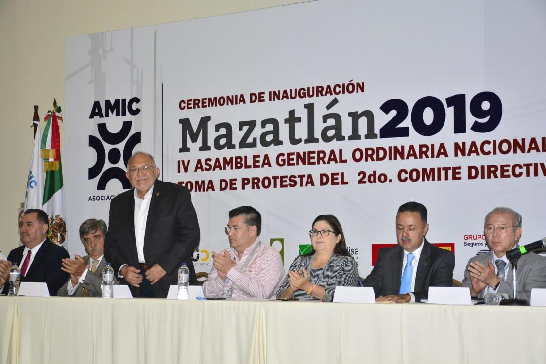 Reconocen al Químico Benitez Torres como el único Alcalde de Sinaloa que otorga contratos de obra pública a todos los integrantes de la AMIC en Mazatlán