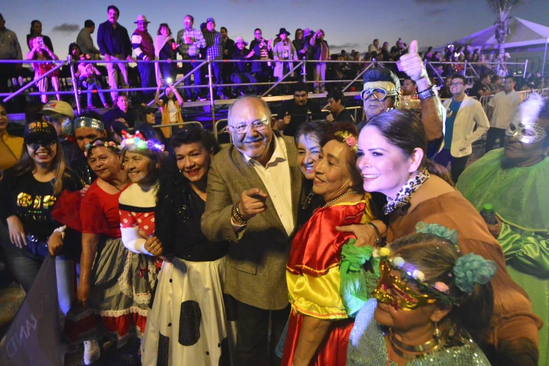 Despide segundo desfile de carros alegóricos al Carnaval 2020