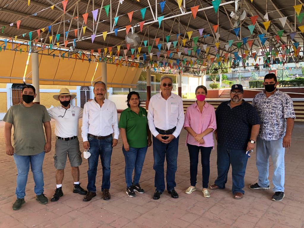 Supervisa Garay Velázquez trabajos en el cobertizo de La Noria