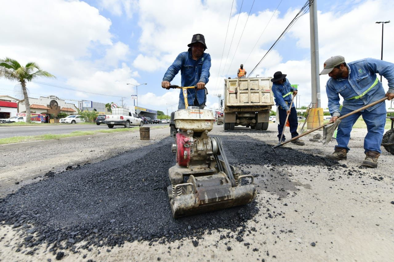 Intensifica Obras Públicas Municipales trabajos de bacheo en la ciudad