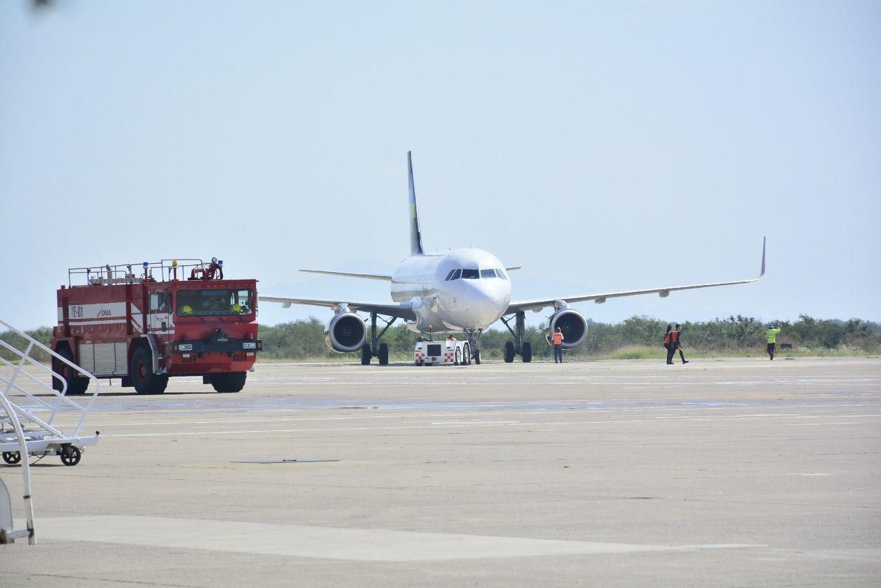 Anuncian arribo de vuelo chárter canadiense a Mazatlán